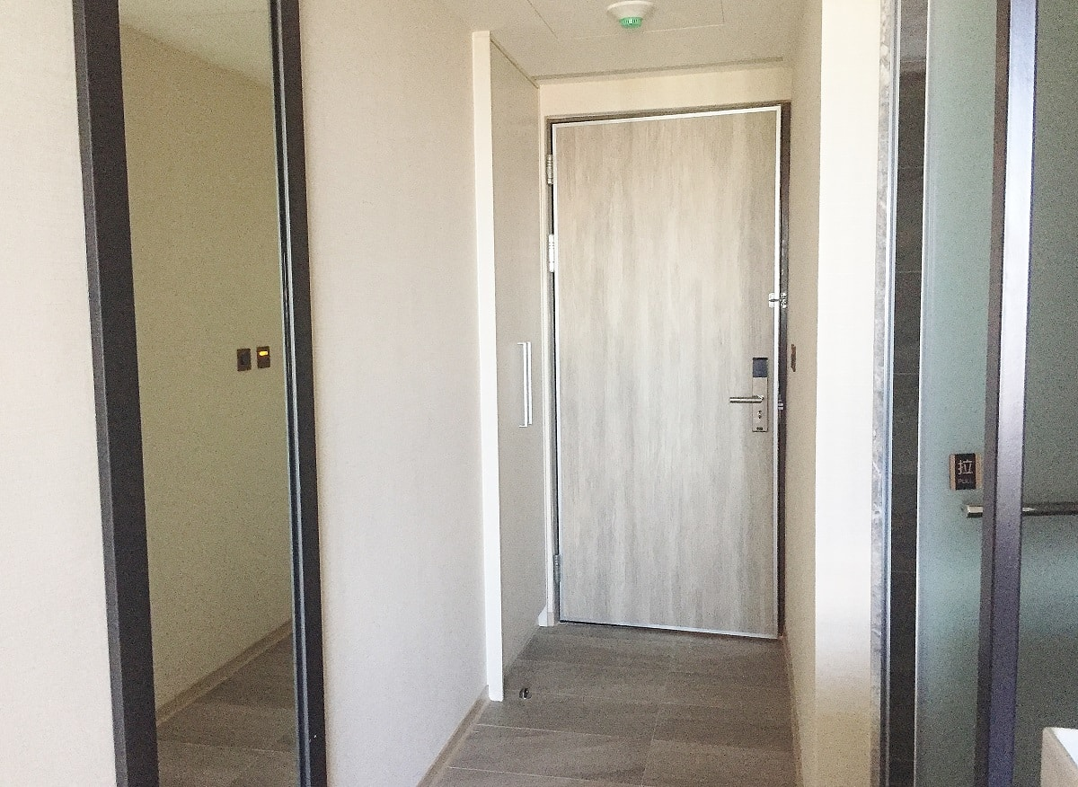 Self closing hinges for fire doors- hotel