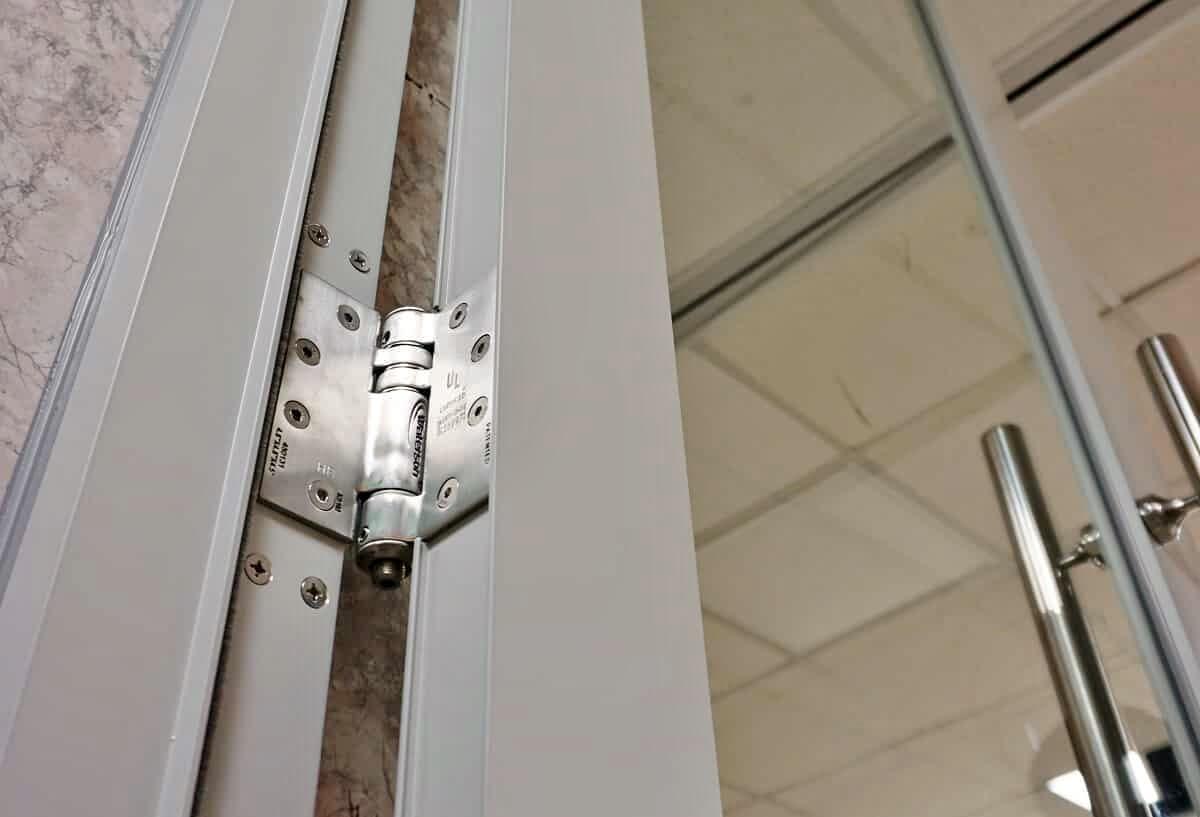 安裝與調整簡易快速,從此告別門弓、地鉸鍊的耗時費工。