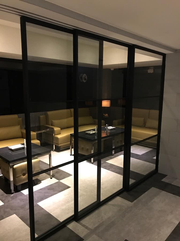 smoking room-quiet door closer