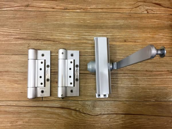 Waterson interior hinge vs door closer - before