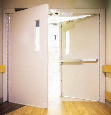 180度開關的門扇