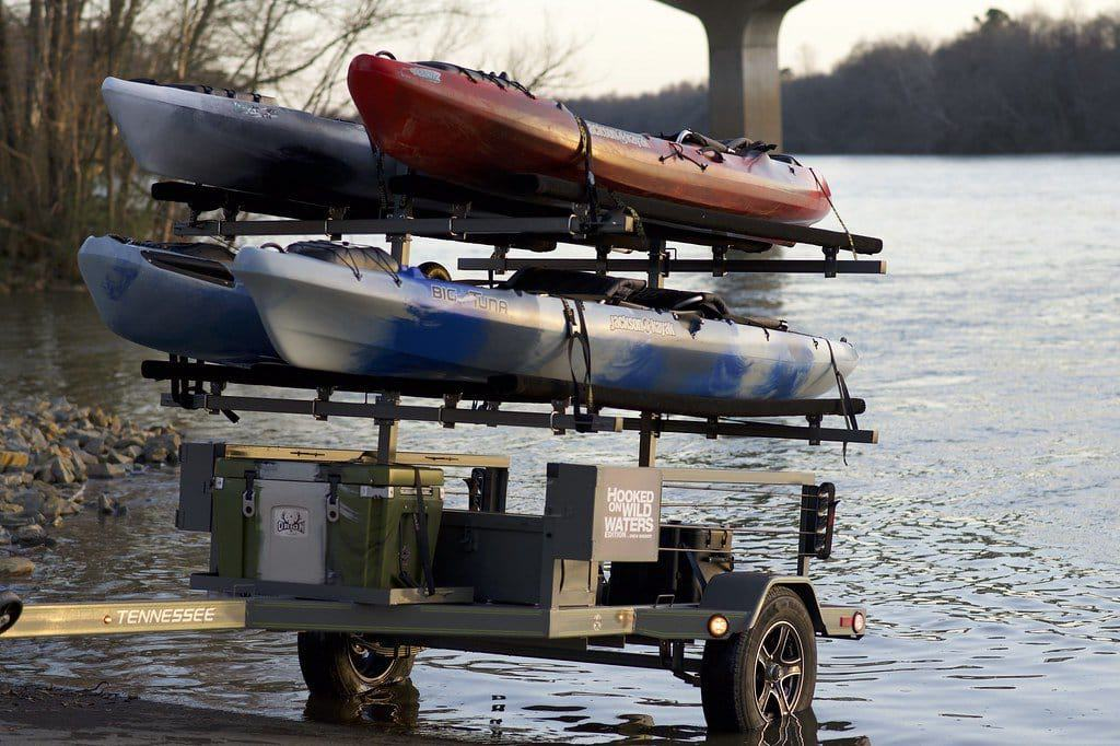 How to transport a kayak without a roof rack