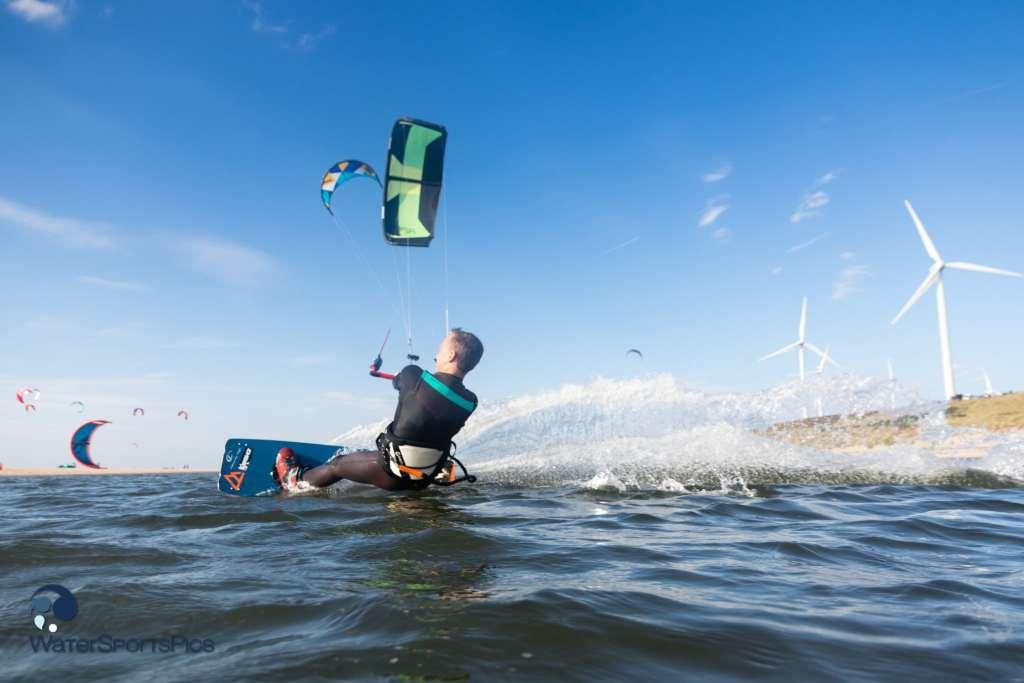 Maasvlakte fun session with Lars de Groof (Slingshot/Brunotti), The Netherlands on 16 October 2016