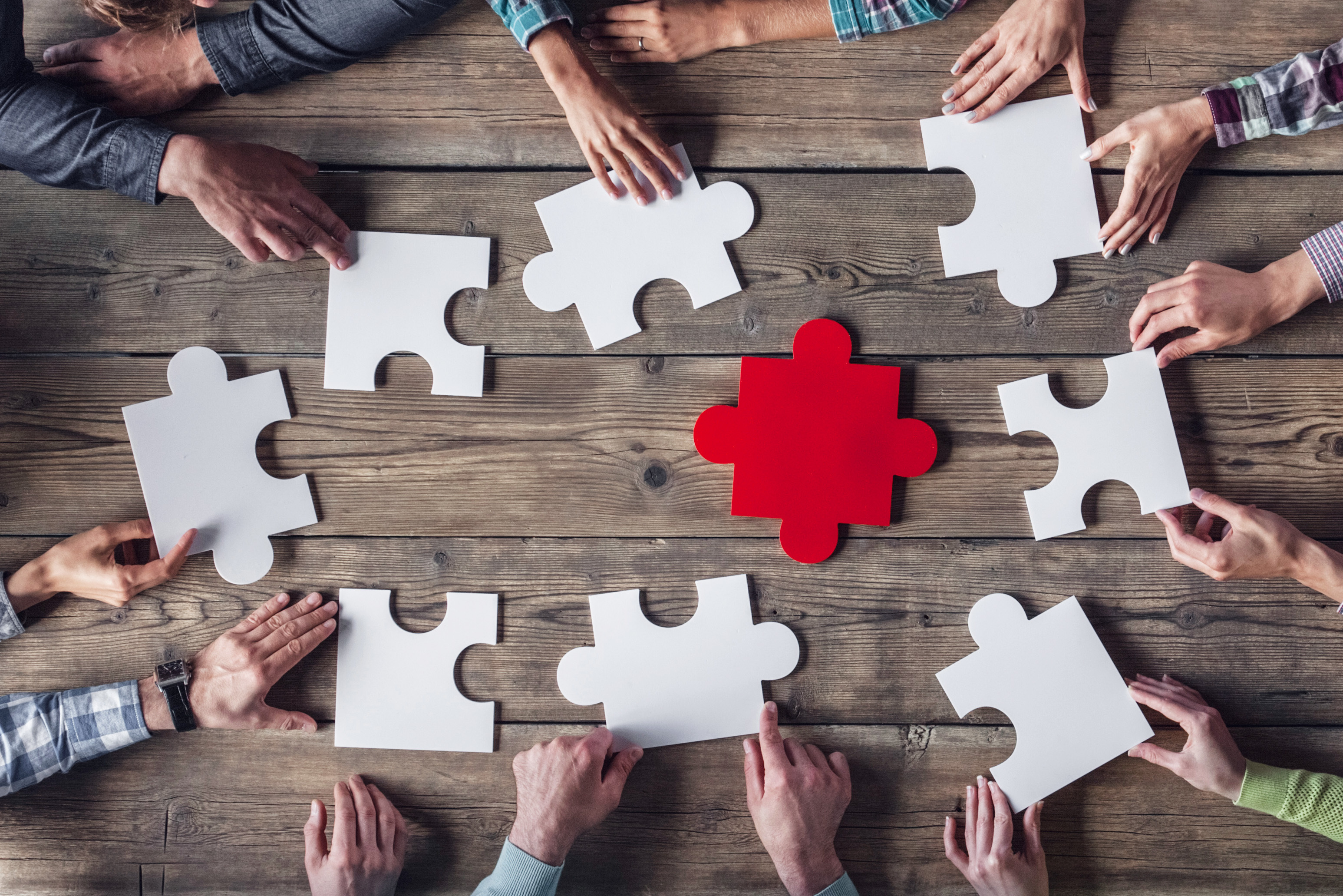 """""""Weak Ties"""" Will Make You Stronger—and Team-Building Games Can Help"""
