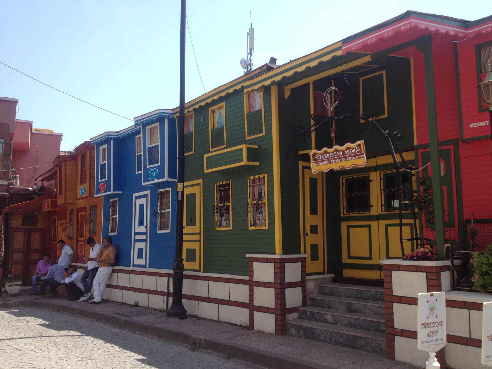 Istanbul, Turquie, maisons colorées