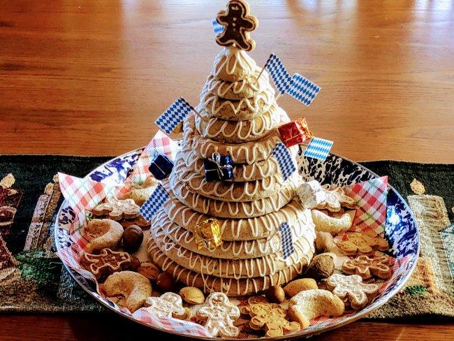 Auspicious Foods New Year Kransekake