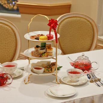 ชุดน้ำชาสุดหรูเสมือนอยู่ที่ฝรั่งเศส