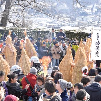 """""""คิชู คาเซโดริ"""" เป็นเทศกาลท้องถิ่นของคามิโนะยามะ (จังหวัดยามากาตะ)"""