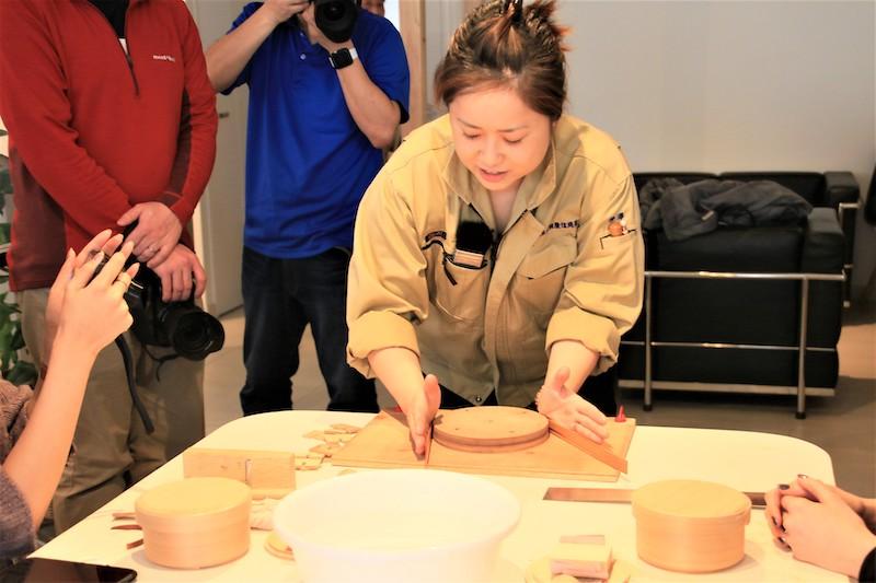 曲木盒職人親自指導如何製作曲木盒