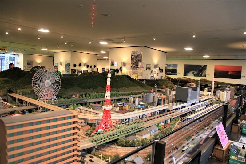 糸魚川站內還設有大型鐵路模型