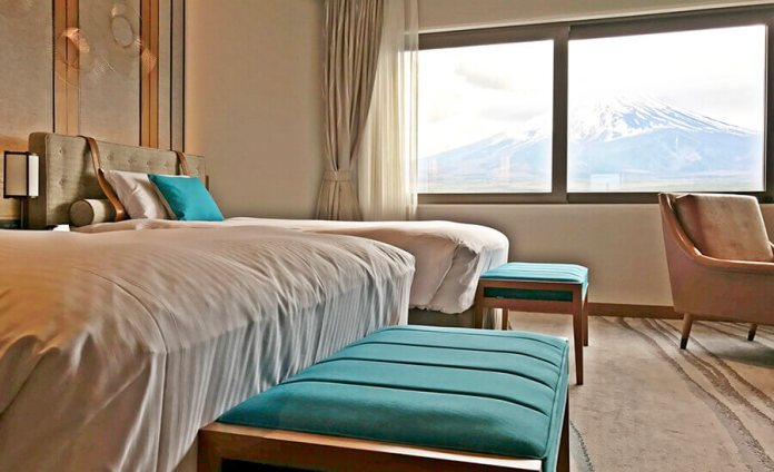 A room at the Grand Executive Floor with a view at Mt. Fuji.