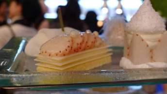 white-strawberry-desserts