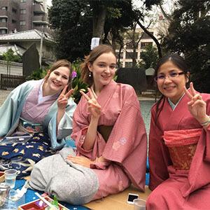 Ilse, Alyona, Melissa - Hanami in kimono