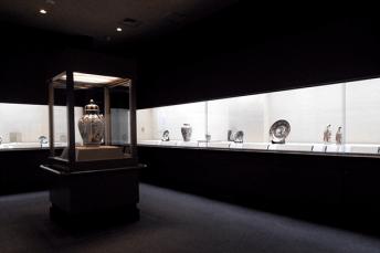 Toguri-Museum-of-Art-exhibition