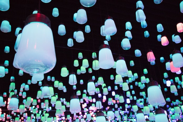 teamLab Borderless Forest of Lamps 2