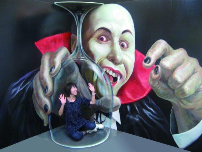 Trick Art Vampire