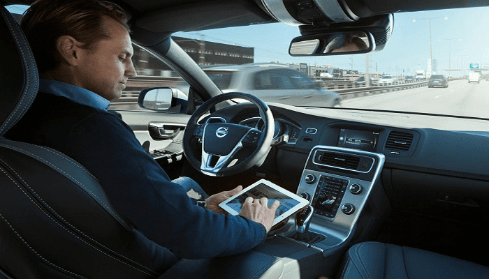 The race for self-driving taxis in the USA is on