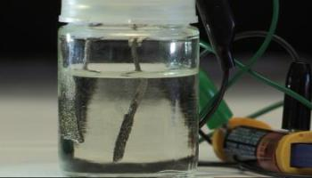 Promising new solar-powered path to hydrogen fuel production   Watts