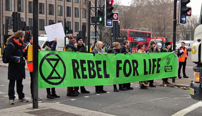 """Extinction Rebellion Demands a """"Citizens Assembly"""" to Oversee Climate Policy"""