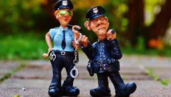 Oregon Democrats Order State Police to Force Republican Senators to