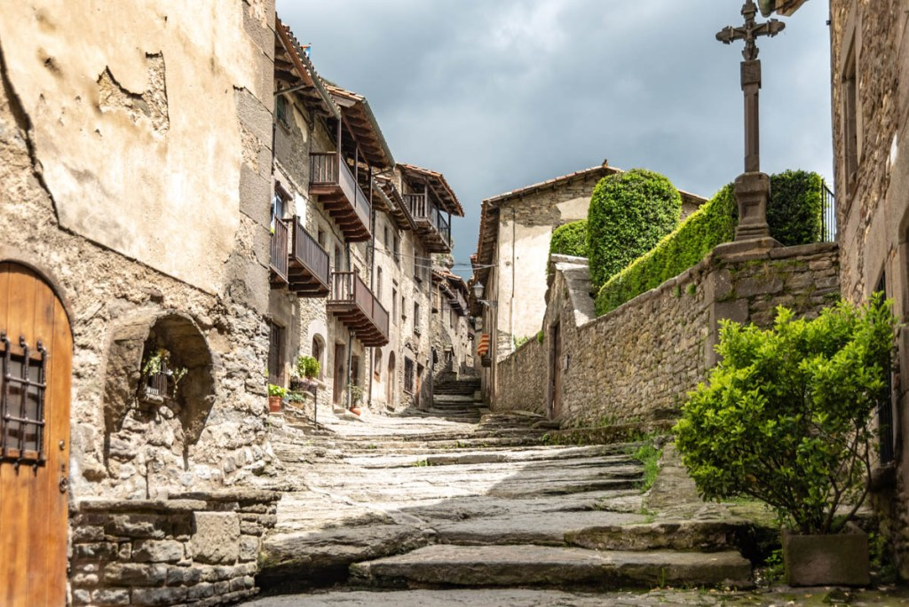 The stone streets of Rupit are so charming.