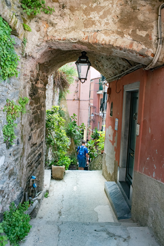 Visiting Cinque Terre you will find streets cut out of stone