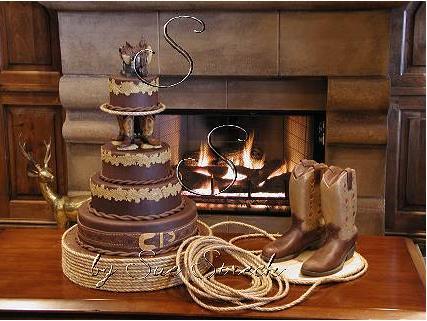 Fall in Love Western Wedding Cake  The Vineyards of