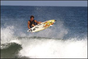 playa-grande-costa-rica-surfer