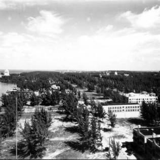 Fleetwood Hotel looking north, 1925.