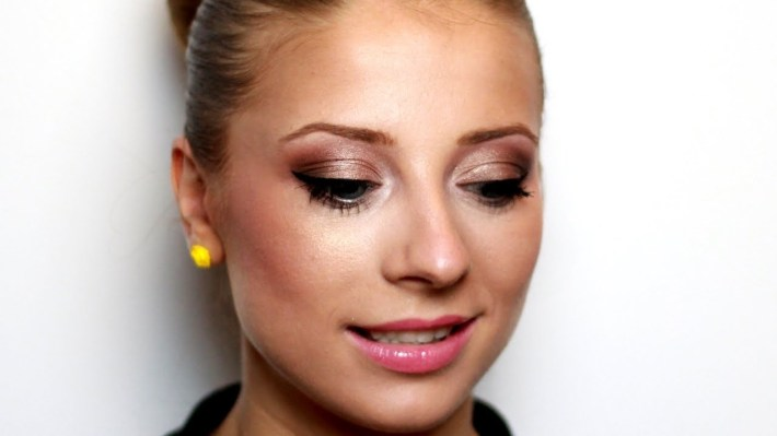 Romantic Makeup For Blue Eyes And Blonde Hair - Youtube regarding Eyeshadow For Blue Eyes And Strawberry Blonde Hair
