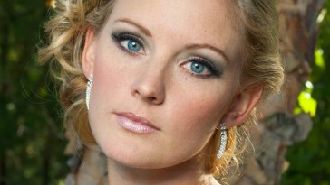 Wedding Makeup Tips For Blue-Eyed Brides With Blond Hair | Bride Sparkle pertaining to Makeup Tips For Blue Eyes Blonde Hair Fair Skin