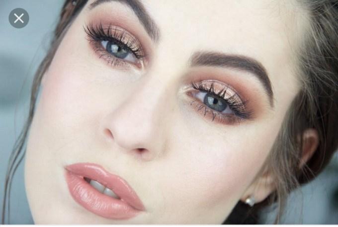 makeup blue eyes fair skin brown hair - wavy haircut