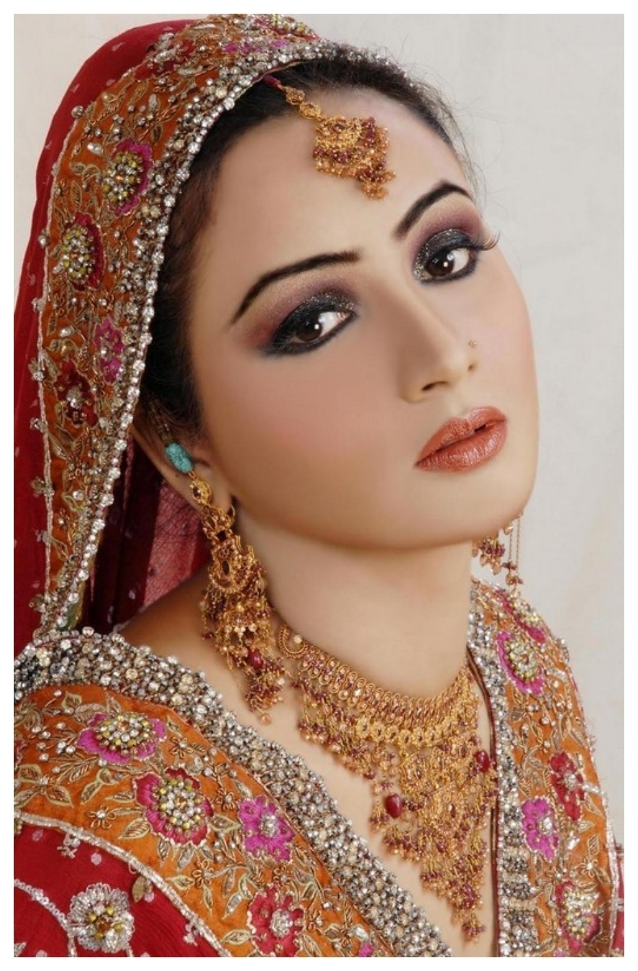 pakistani bridal makeup photos 2013 - wavy haircut