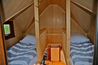 hot-tub-tiny-home-on-wheels-3