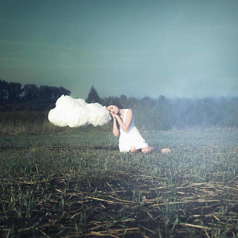Paulina Wawrzoszek - Beyond the clouds 1:6