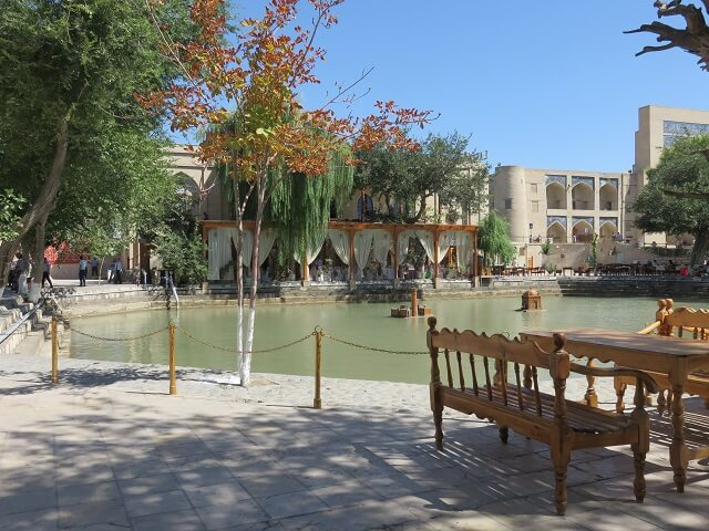 ブハラのラビハウズ池