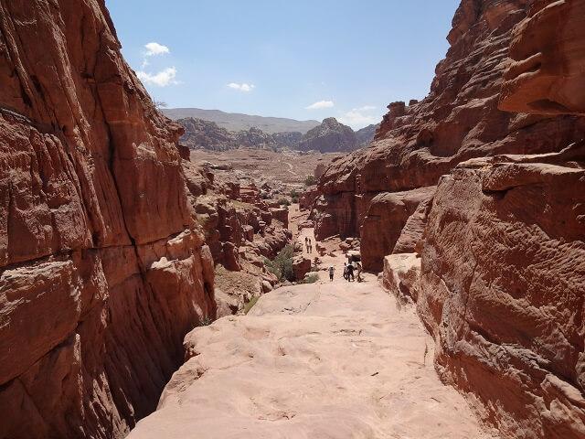 ヨルダン・ペトラ遺跡の道
