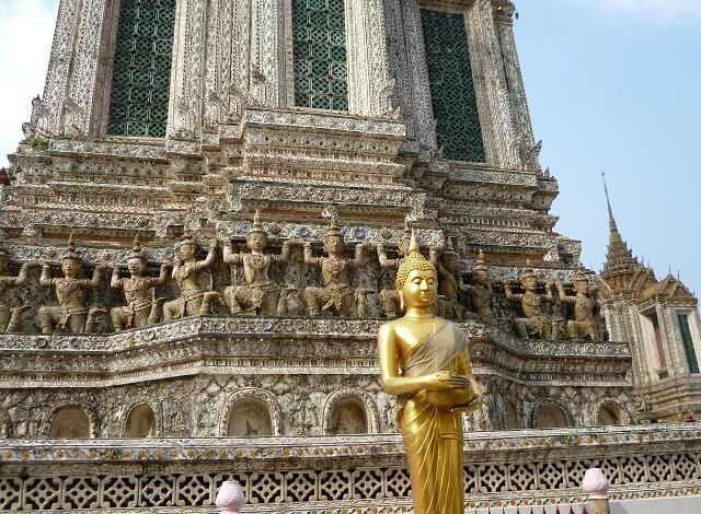 バンコクのワット・アルンの基壇部分