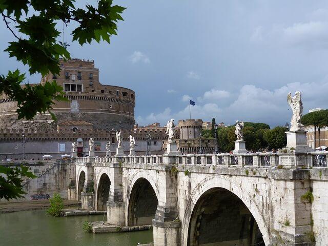 ローマのサンタンジェロ橋