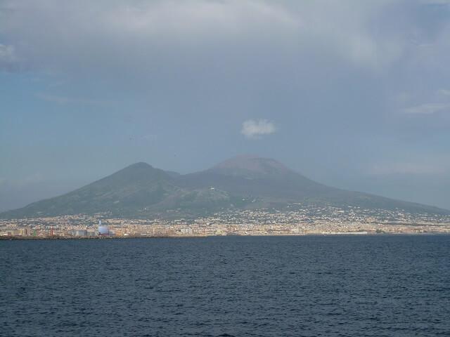 イタリア・ナポリのヴィスヴィオス火山