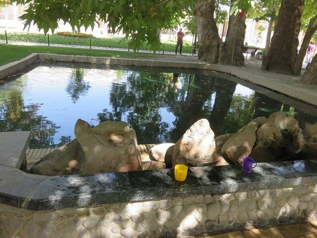サマルカンドのイマーム・アリ・ブハリ廠の泉