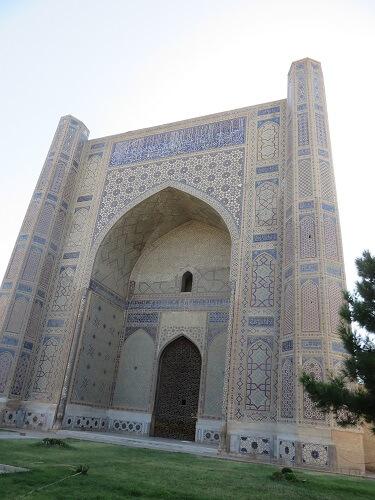 サマルカンドのビビハニム・モスクの入り口