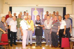 Wayfarers present £500 cheque