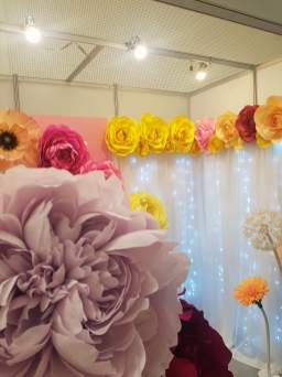 giant paper flowers by Sinna paper art that everyone was taking pictures with