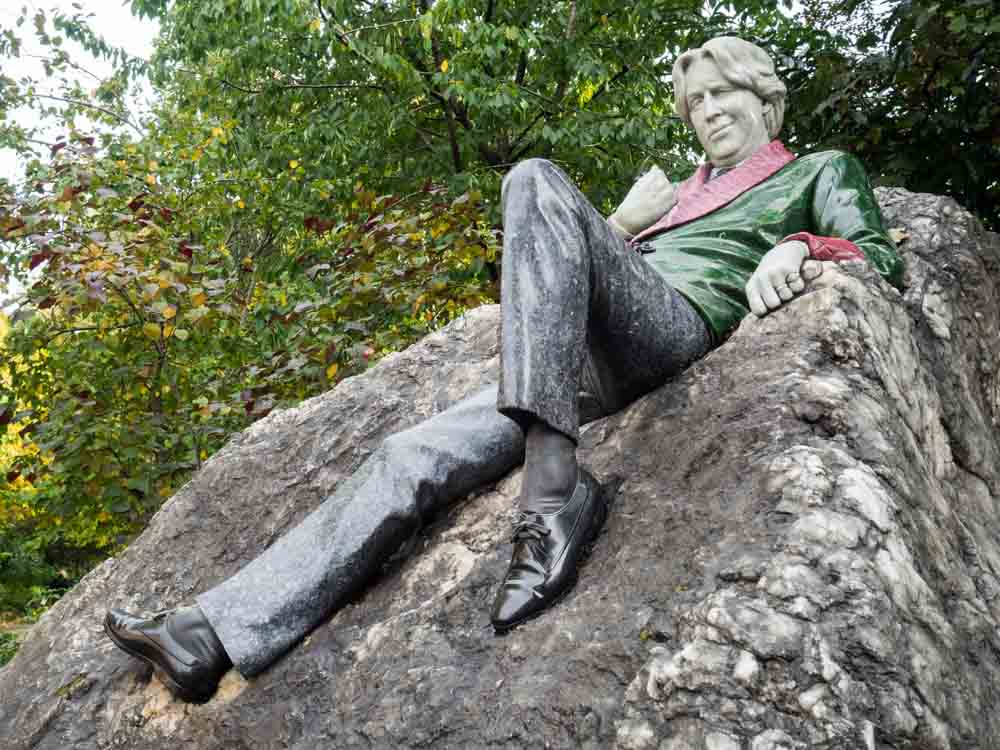 Ireland Dublin Oscar Wild Statue