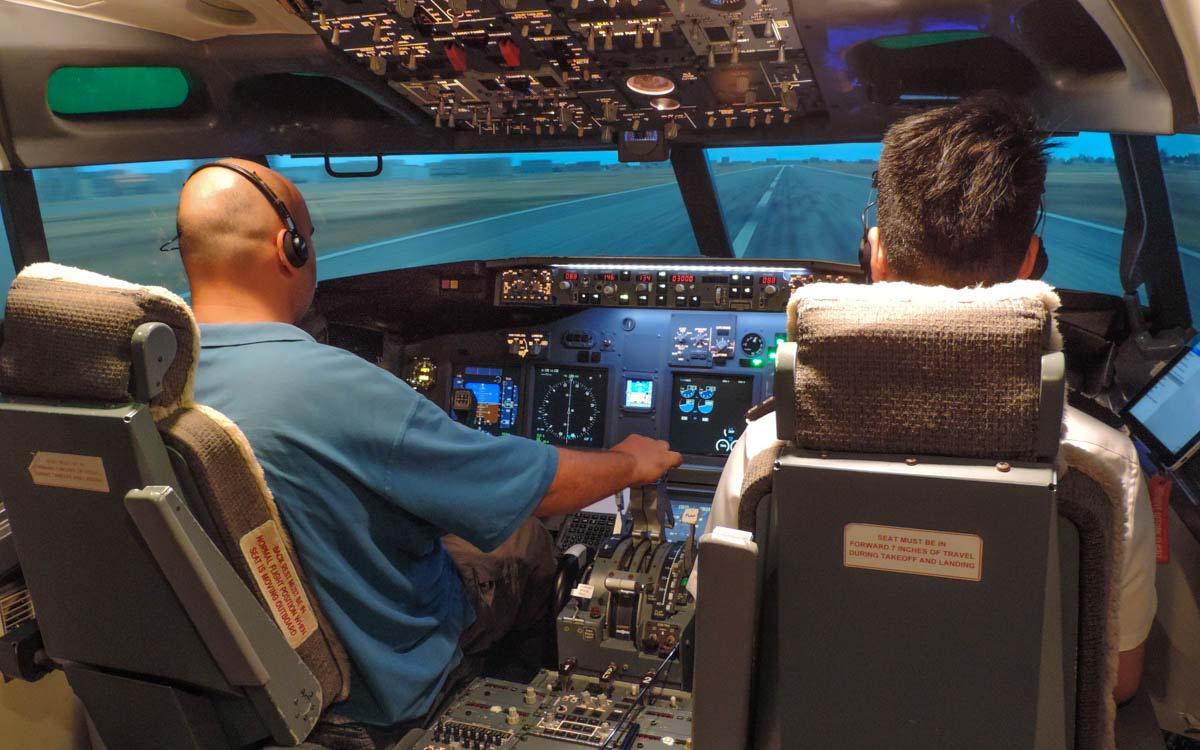 Interesting things to do in Singapore: Flight Simulator