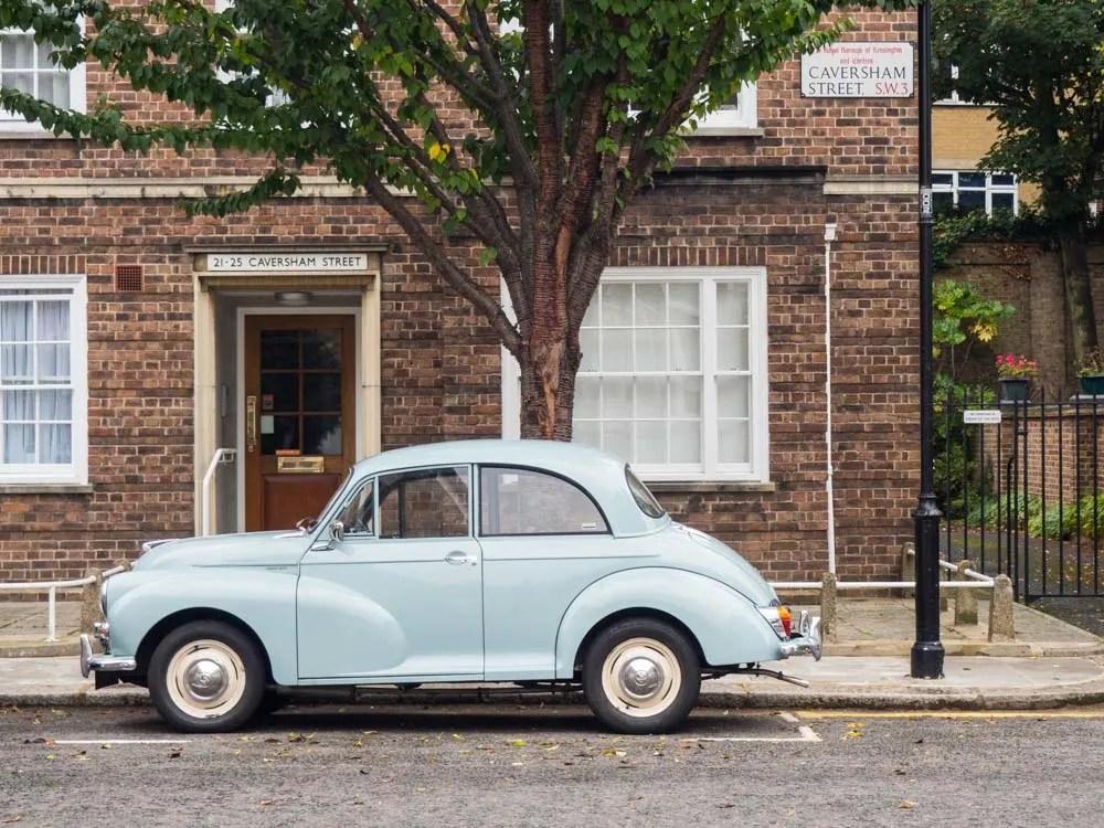 London Chelsea Neighborhood stroll car