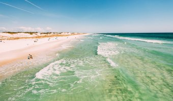 Sugar white sand beaches in Panama City Beach