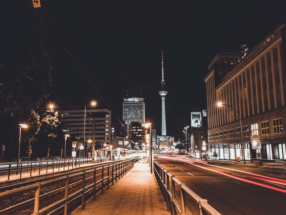 Cool things to do in Berlin at night- street scene and streetlights