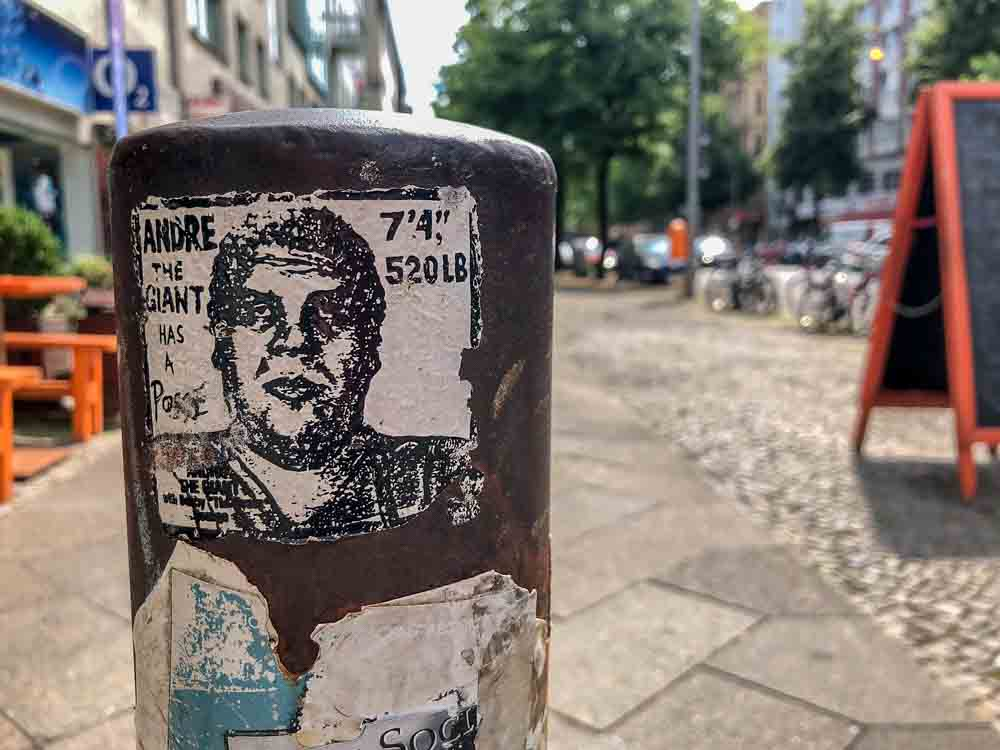 Berlin graffiti: Obey Giant sticker